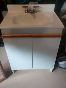 Sink+Counter Top+Cabinet+Medicine Cabinet-Excellent Condition!!!