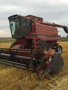 Case IH 1688 combine w/ 1015 pickup and 1020 straight cut