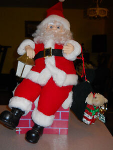 Santa Figure animated with lantern and toy bag
