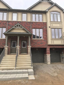 Town House in Ancaster for Rent
