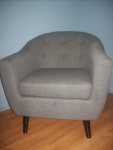 CANADIAN TIRE FAUTEUIL CANVAS ESSEX GRIS / STRUCTUBE EQ3 CORBEIL