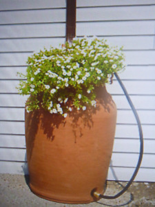 Urn Style Rain Barrel with Planter