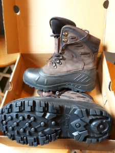 Kamik winter boot - men size 7
