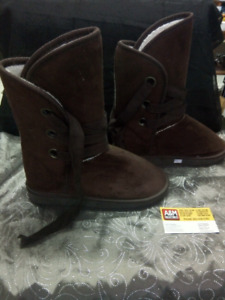 New Winter Boots Size 7