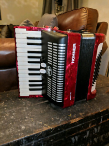 Hohner Accordion (Bravo 2) 48 Bass