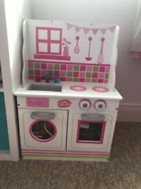 Kids kitchen & dolls house