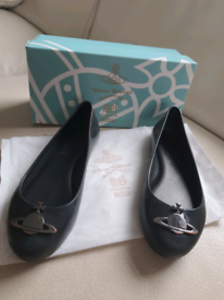 Vivienne westwood girls uk13 shoe