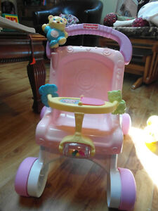 pousette musicale Fisher Price