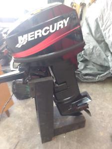 Mercury 25hp 2temps a pogner pied long trim électrique, starter
