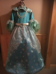Princess Gown - Size 10 to 12 medium