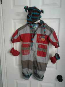 9M  Gagou Tagou Boy's Spring or Fall suit