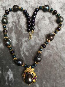 New Glorious Baroque Black Tahitian Color Pearl Ruby Necklace