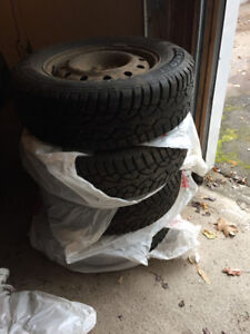 4 Winter Tires on Rims - General Altimax Artic