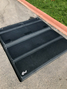 Bakflip Tonneau Cover For Sale 5.5 ft For Ford F150