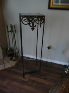 Plant or Picture STAND