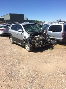Parting out 2006 Hyundai Tucson fwd