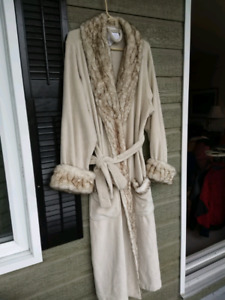 POTTERY BARN™ NWT WOMAN'S HOUSECOAT
