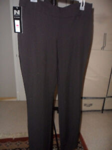 size 4 slim leg black pants ladies by nygard from reitman's new