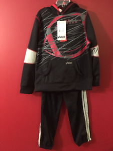ASICS Boy's Size 5 Two-Piece Pant & Hoodie Set - Brand new!