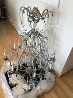Grand chandelier a vendre