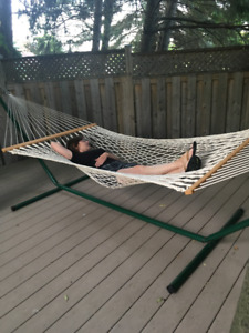 Relax this summer on your Kingcordl hammock and stand