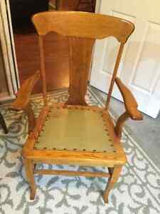 Antique chair Cornwall Ontario image 2