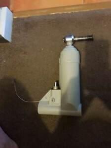 2005 40hp Johnson 2 stroke Tilt Assist Cylinder Nickol Roebourne Area Preview