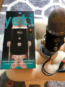 Blue Microphones Yeti Pro Condenser Microphone