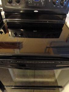 Whirlpool Glass Stove in Very Good Condition