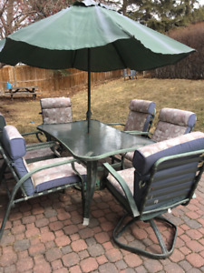 Outdoor Patio Furniture- 6 chairs, umbrella