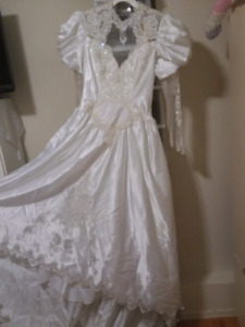 Wedding dress at a reduce price only $150.00