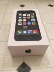 iPhone 5s, 16GB, mint condition, Bell or Virgin