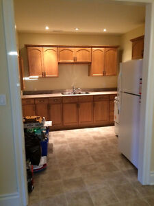 INGERSOLL 1 BEDROOM APARTMENT FOR RENT - AVAILABLE JUNE 1