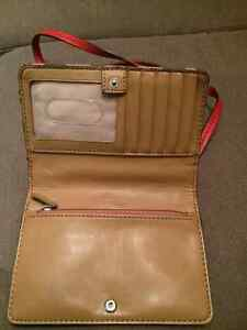 Authentic Coach smartphone purse with gift box Edmonton Edmonton Area image 3