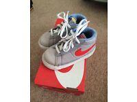 Nike blazers (size7.5)