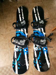 2 Silence snowboards with bindings 140 cm