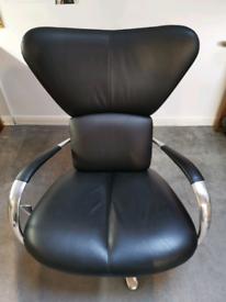 Beautiful Leolux Italian armchair