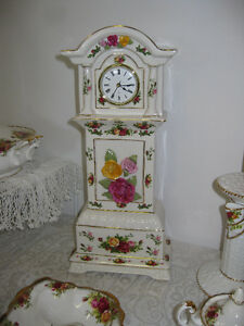 Old Country Roses Clock -- FROM PAST TIMES Antiques & Coll