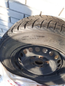 4 pneus d'hiver  YOKOHAMA 195/65r15 + rims d'Honda Civic (2015)