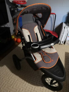 Safety 1st. 3-Wheeler Stroller from clean & Non-smokers