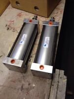 2 air cylinders