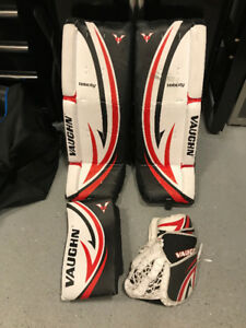 Vaughn Goalie Senior Pads, Glove and Blocker (Ball Hockey)