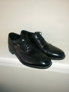 Florsheim size 10.5 D shoes, Excellent condition