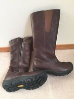Keens women's winter boot size 8