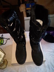 Ladies Pajarr mid calf boots.