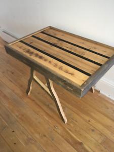 Petite Table.