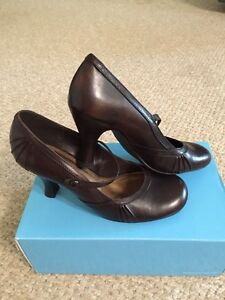 Size 38 (8) Brown Leather Women's Shoes Peterborough Peterborough Area image 4