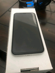 Unlocked white Iphone Xr 64gb with box and accessories for sale