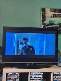 """37"""" neon lcd tv dvd combi built in freeview hdmi ports £65 ono"""