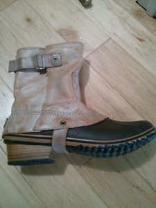 Women's Sorel winter boots size 12